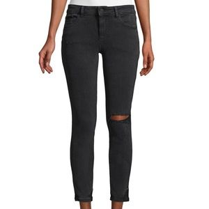 dl1961 skinny jeans with one knee rip